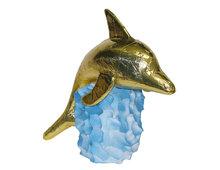 Les dauphins sur rocher